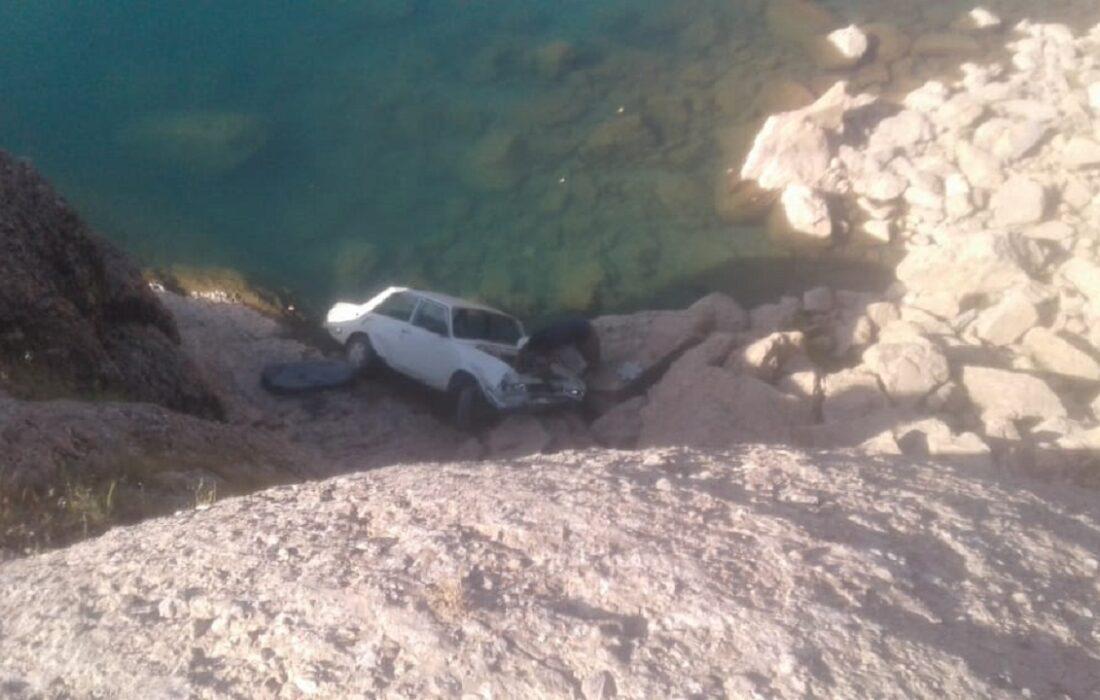 واژگونی خودروی سواری پیکان در بازفت