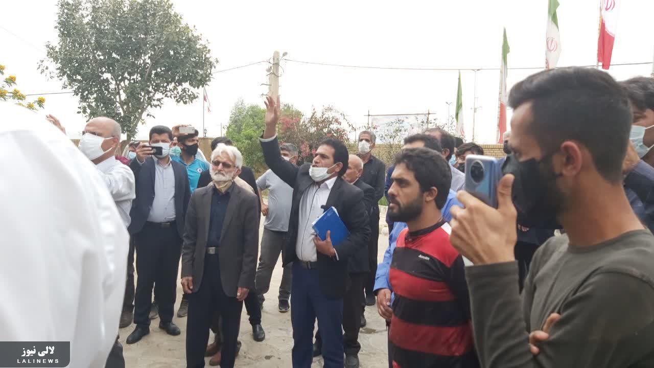 اعتراض یک شهروند در لالی به استاندار خوزستان
