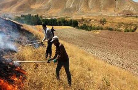 آتش سوزی در مراتع شهرستان لالی/مهار آتش سوزی ها در کوه سارند و منطقه گاوخفت