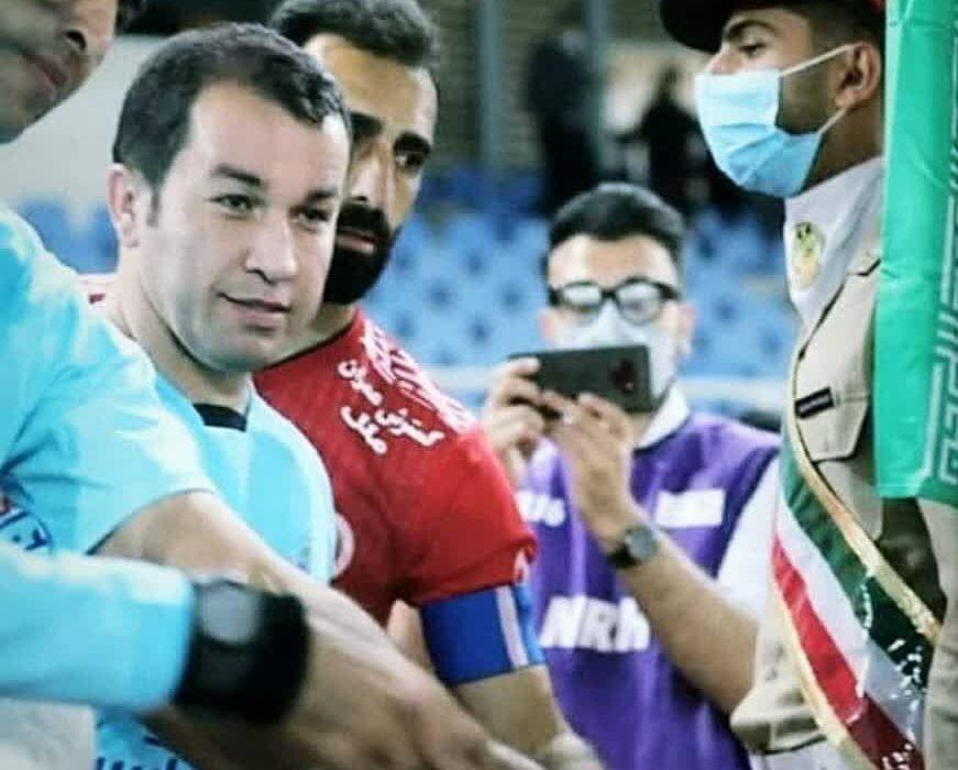 چهره جدیدداوری شهرستان لالی درلیگ برتر فوتبال/هنرمندی خوشنویس درمستطیل سبز