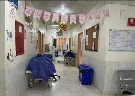 کمبود تخت و بستری بیماران کرونایی در راهروهای بیمارستان امید لالی